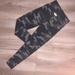 Aerie Gray Camo Legging Chill Play Relax